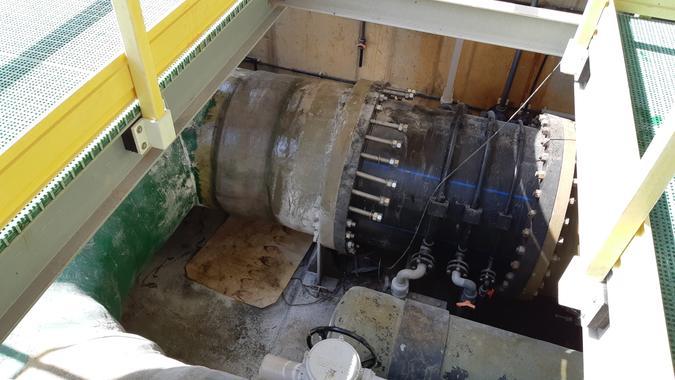 Sustitución de los carretes de la tubería DN1200 de los filtros cerrados